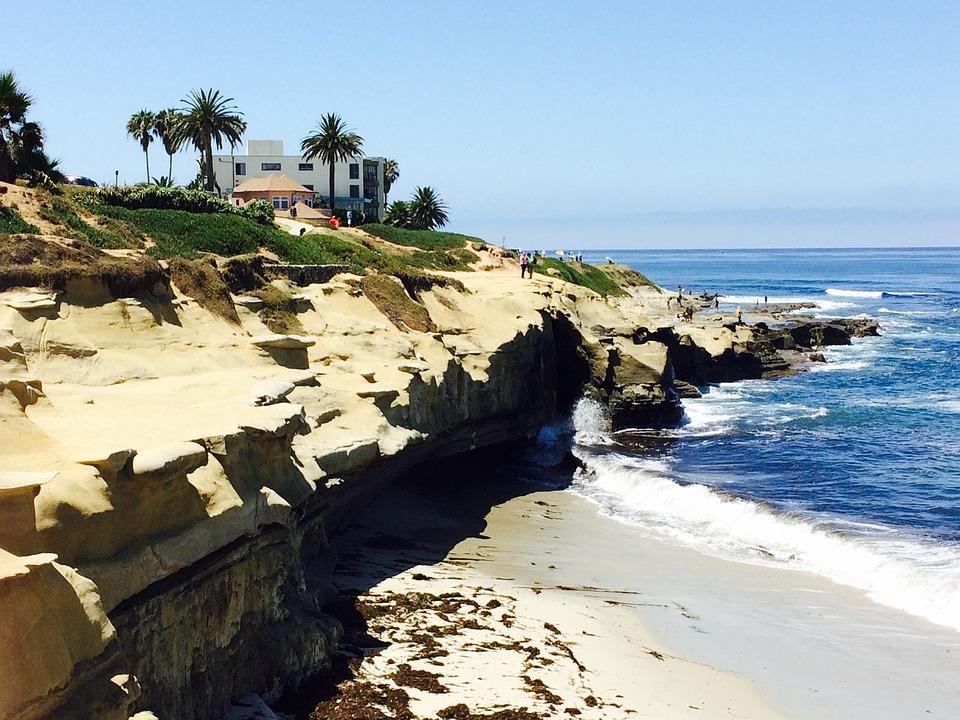 the beautiful shores of La Jolla Cove